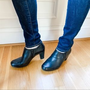 Clark's Ankle Booties Size 7
